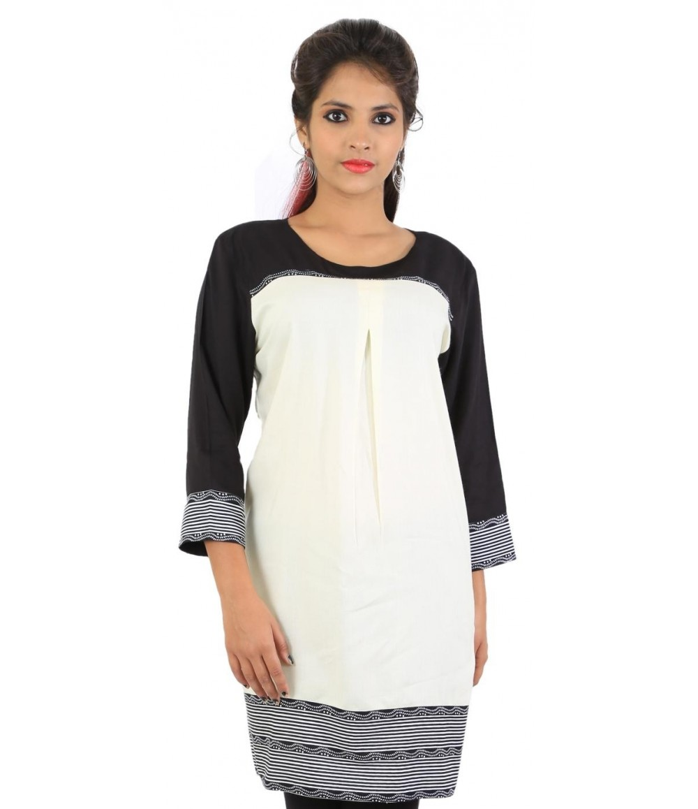 Solid Pattern White Women's Kurti